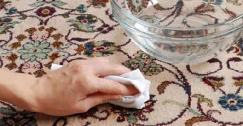 نحوه از بین بردن لکه های چربی از روی فرش