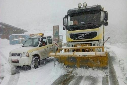 بارش در جاده های 9 استان، برف و باران در همه محورهای تهران-شمال