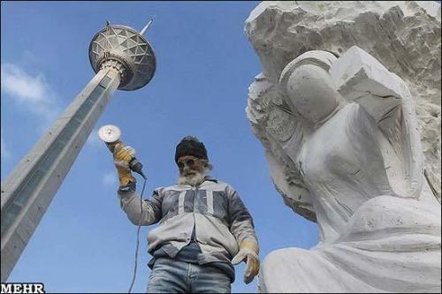 میادین تهران سنگباران می شوند!