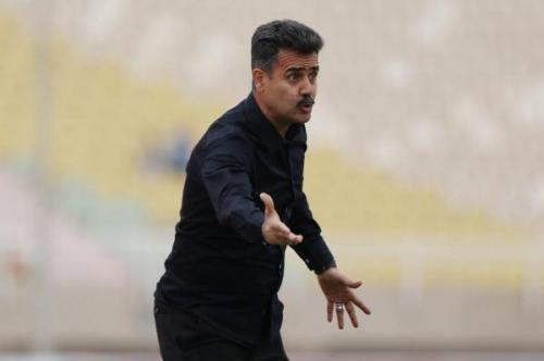 خبرنگاران پورموسوی: پنالتی پرسپولیس صحیح نبود، بازی نباید برگزار می شد